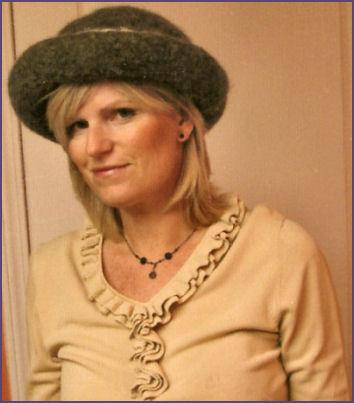 Genny, modeling hat