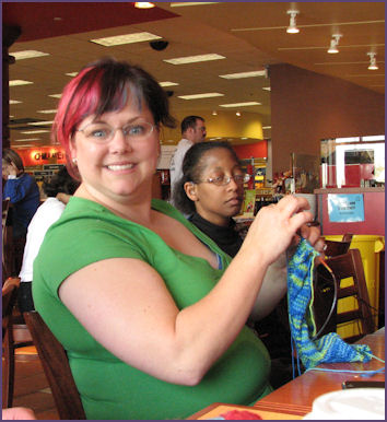 Karen knits a clapotis