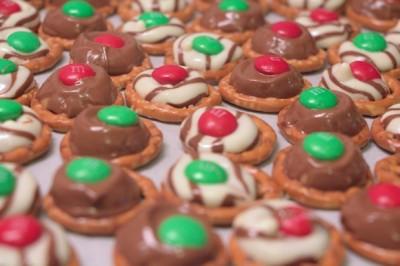Chocolate Pretzel Christmas Treats